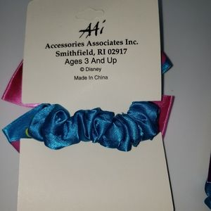 Disney Accessories - Daisy Minnie mouse hair accessories scrunchie